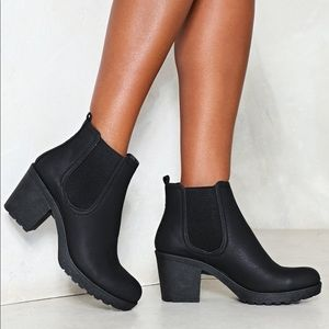 NWOT one night stand chelsea ankle boots